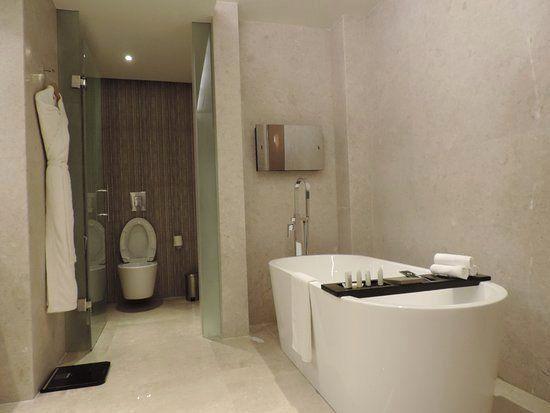 Pin Di Interior Design Ideas In The Bathroom