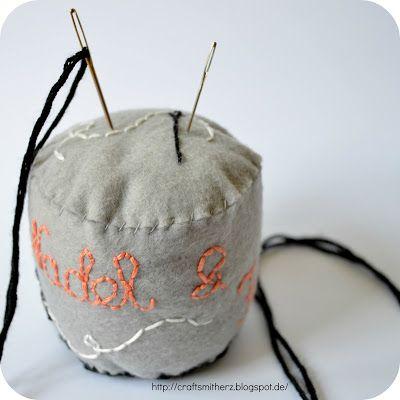 Crafts mit Herz: Needle & Thread Pin Cushion Embroidery Pattern