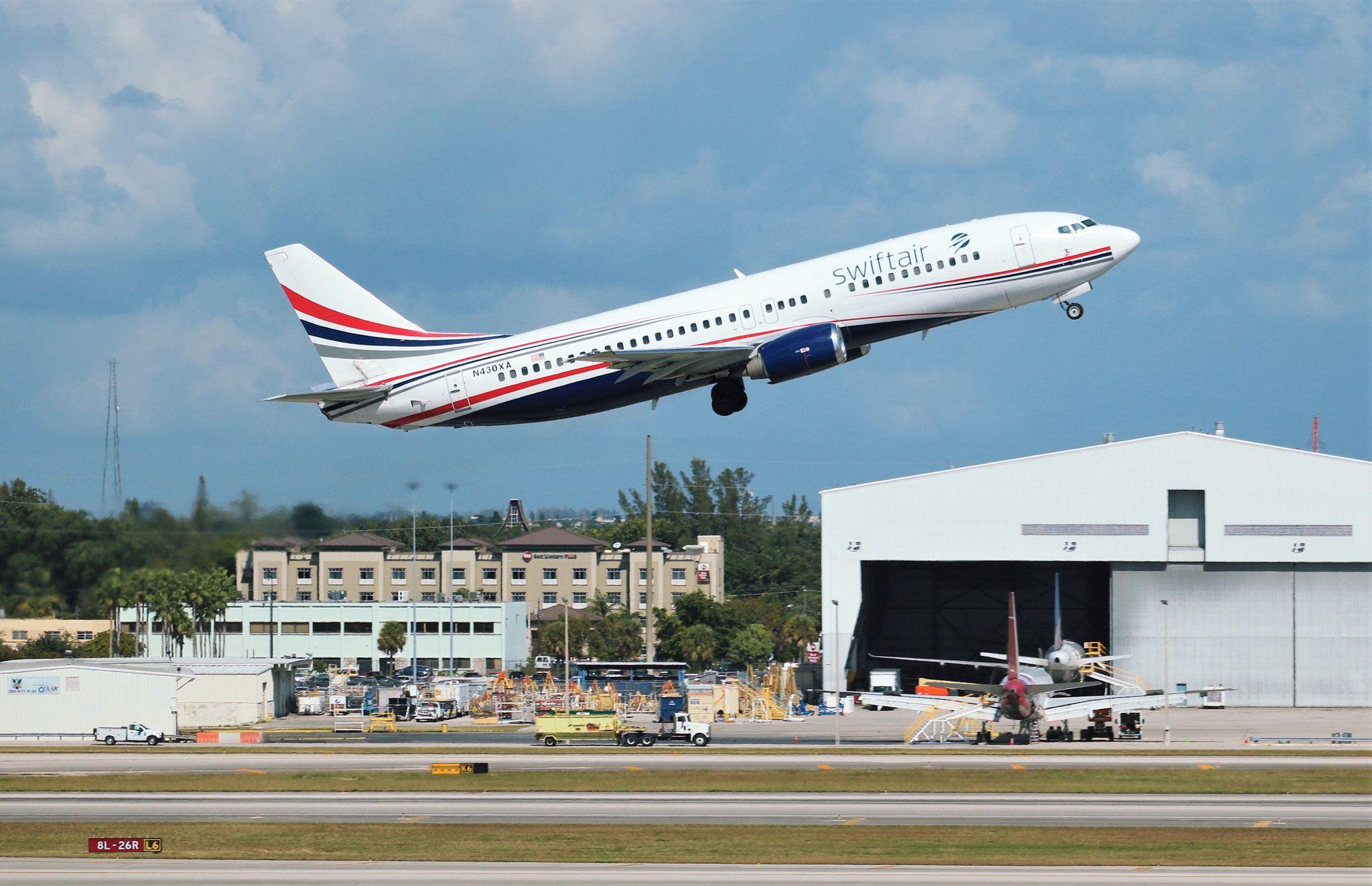 Swift Air 737 Fighter jets, Air, Swift