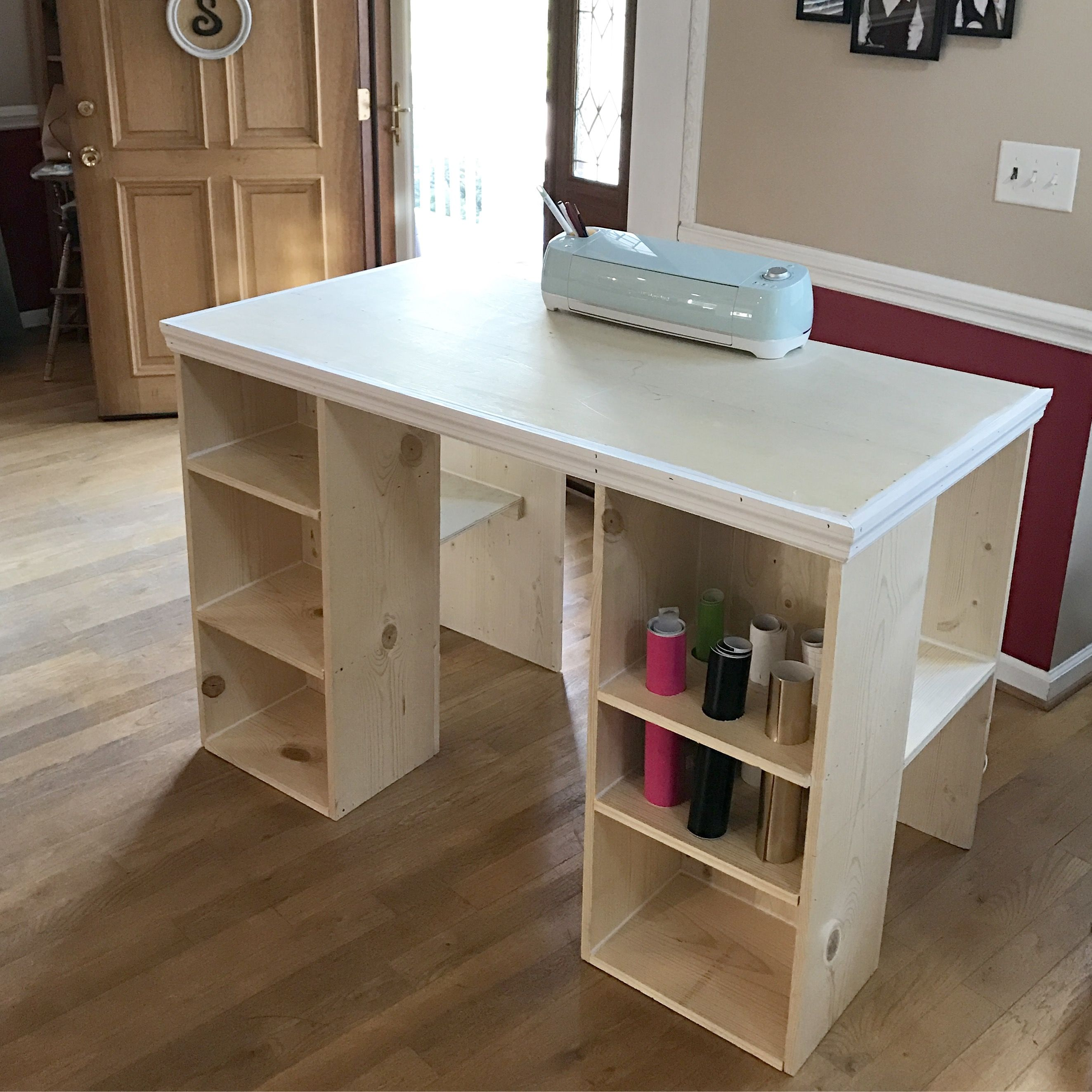 Diy Cricut Craft Table My Hubby S Awesome Just Add Paint Craft Table Diy Craft Table Diy Table