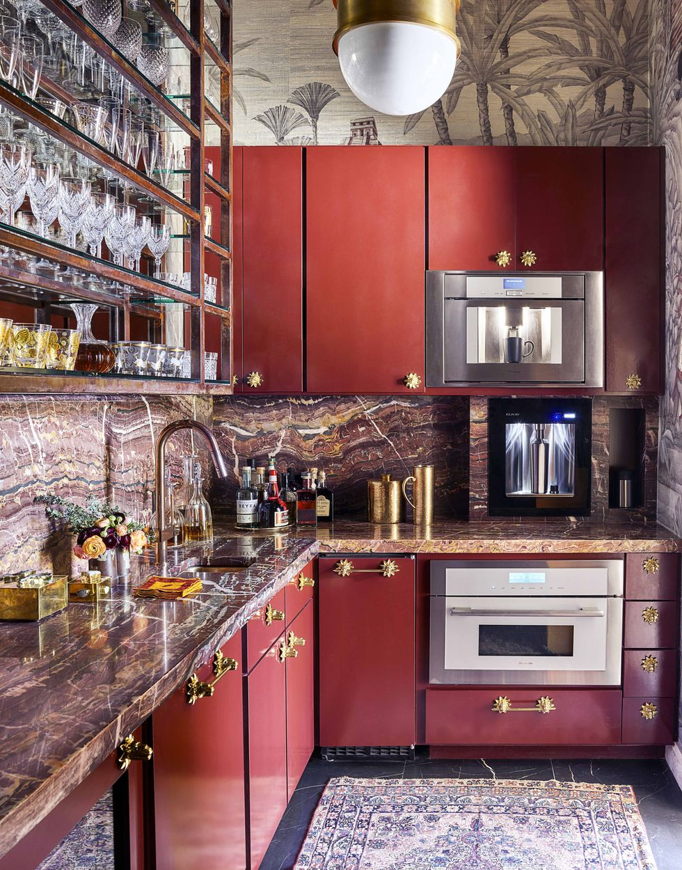 There Are 4 Insanely Cool Kitchens And A Pink Pantry Full Of Fine China In This Dallas Home House Beautiful Kitchens Beautiful Kitchens Kitchen Design Small