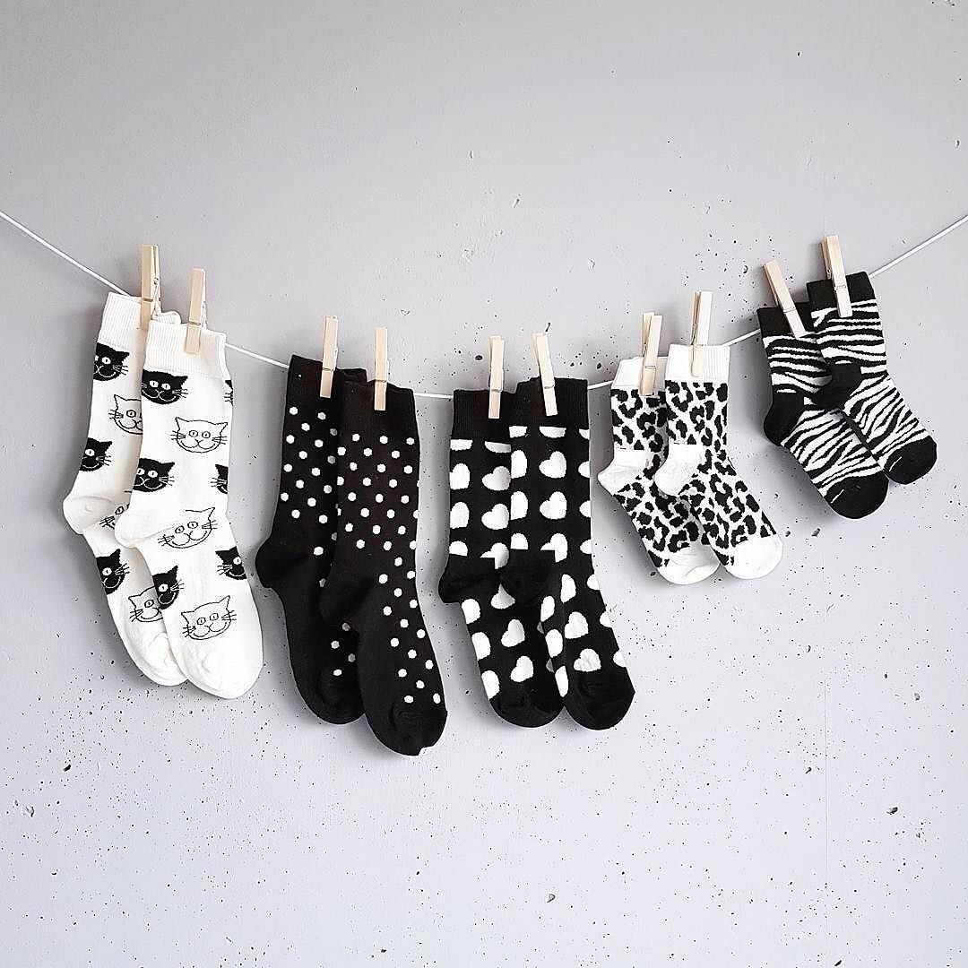 Hang 'em up just right! @tessandjack_ #HappySocks #HappinessEverywhere