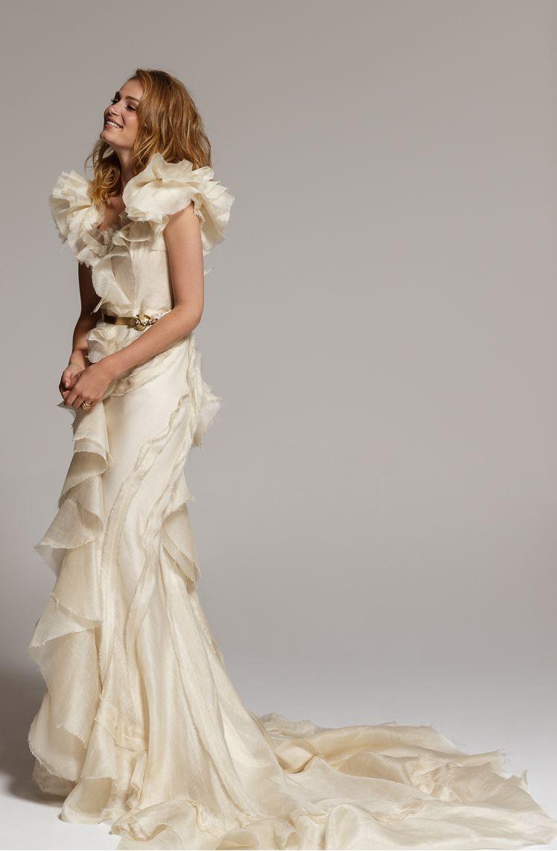 Peticionario venganza ácido  Las novias de Basaldúa: romanticismo al natural | Vestidos de novia,  Vestidos de novia glamorosos, Vestidos de novia con volantes