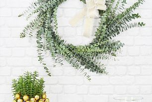 Photo of Simple Eucalyptus Wreath (Centsational Girl),  #Centsational #Eucalyptus