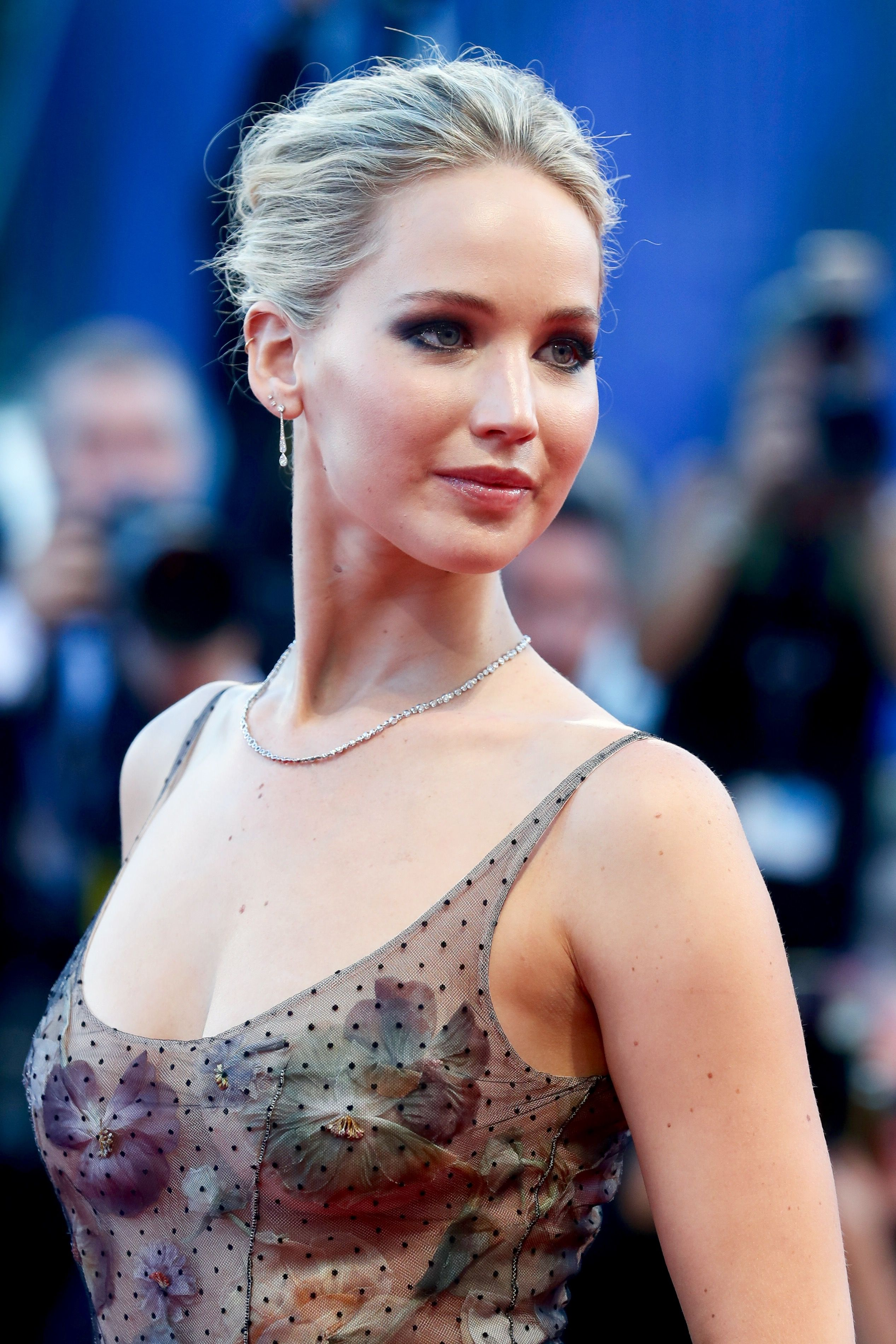 Jennifer Lawrence At The Premiere Of Mother In Venice 2017