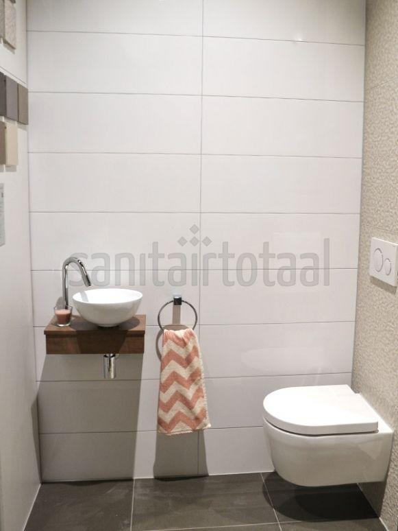 Tegels toilet, witte wandtegels, tegelstroken toilet, muurstrips ...