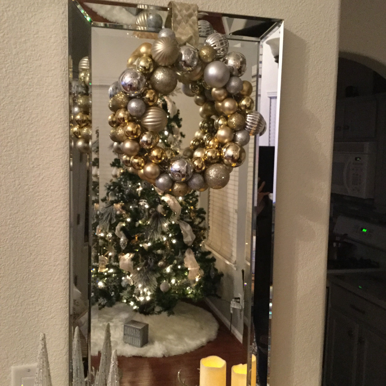 Dollar tree wreath. DIY Santa claus is coming to town