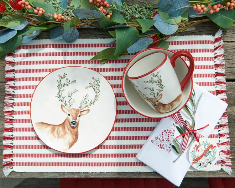 Bring The Perfect Touch Of Christmas Cheer To Your Festive Table With Our Hand Painted Des Christmas Tableware Christmas Decorations Christmas Tree Decorations