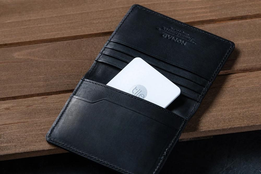slim wallet with tile tracking black
