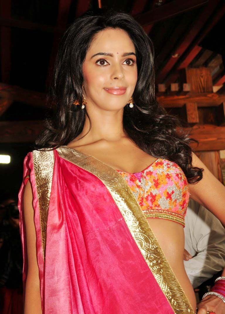 mallika sherawat hot sizzling images.#bollywoodactress
