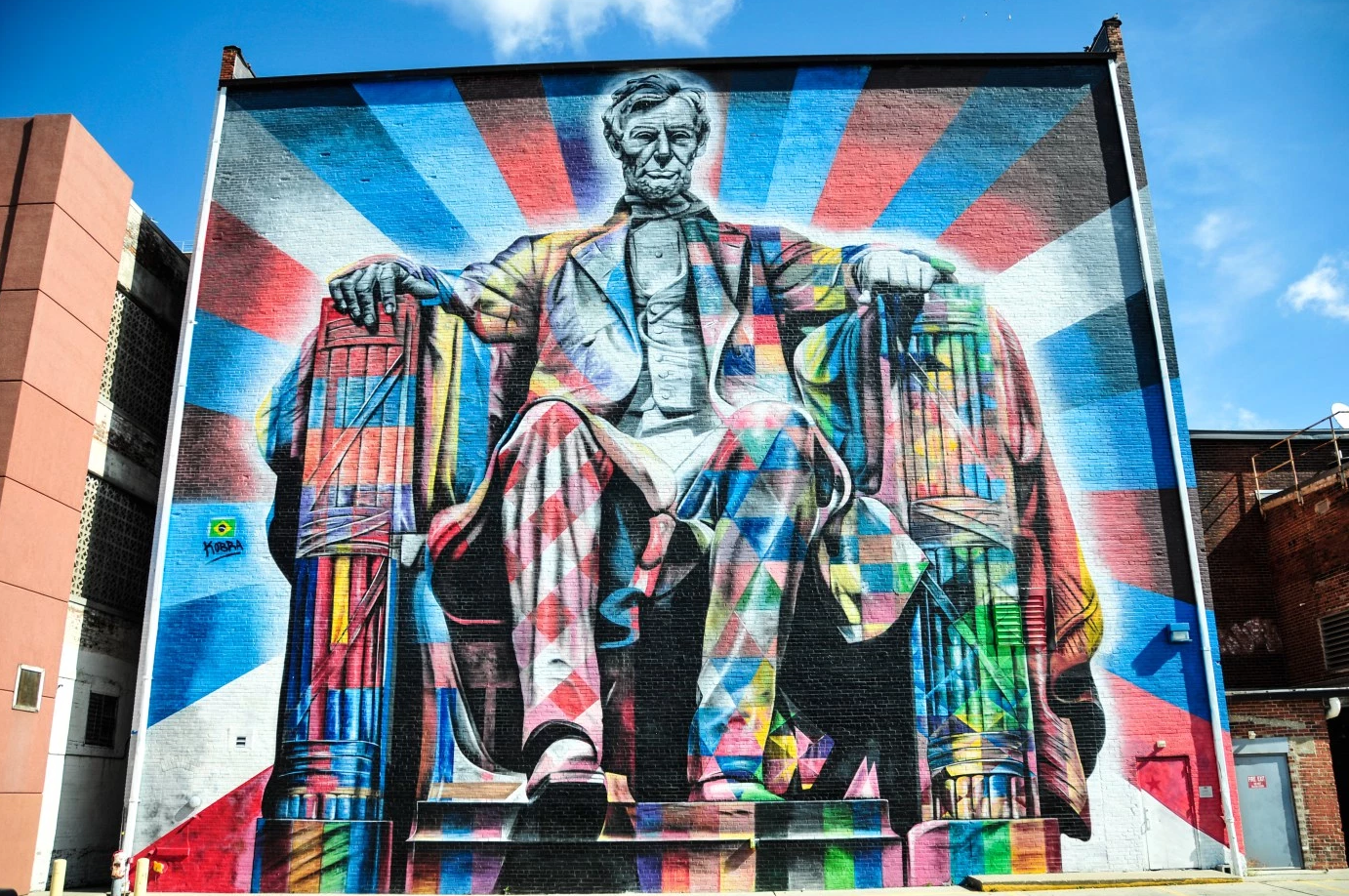 Bold Pop Your Guide To Colorful Walls Lexington Ky Lincoln Confederate Statues Squarespace Website Design Street Art