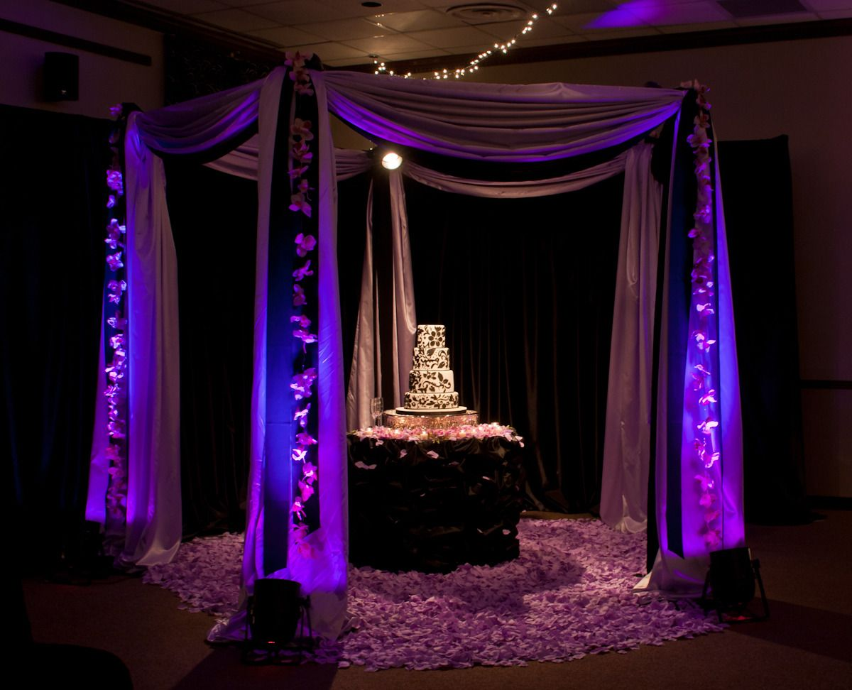 Very dramatic Cake Canopy. But love the up lighting around it! & Very dramatic Cake Canopy. But love the up lighting around it ...