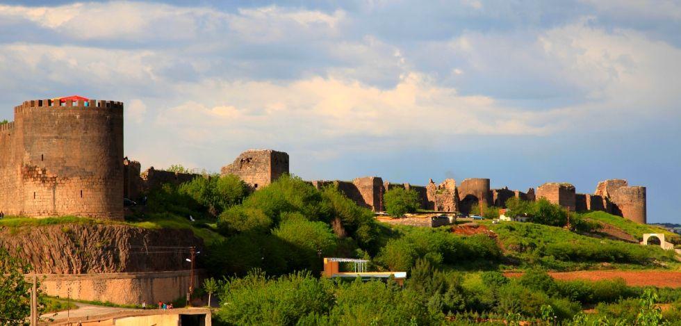 Slikovni rezultat za Diyarbakır Fortress and Hevsel Gardens Cultural Landscape