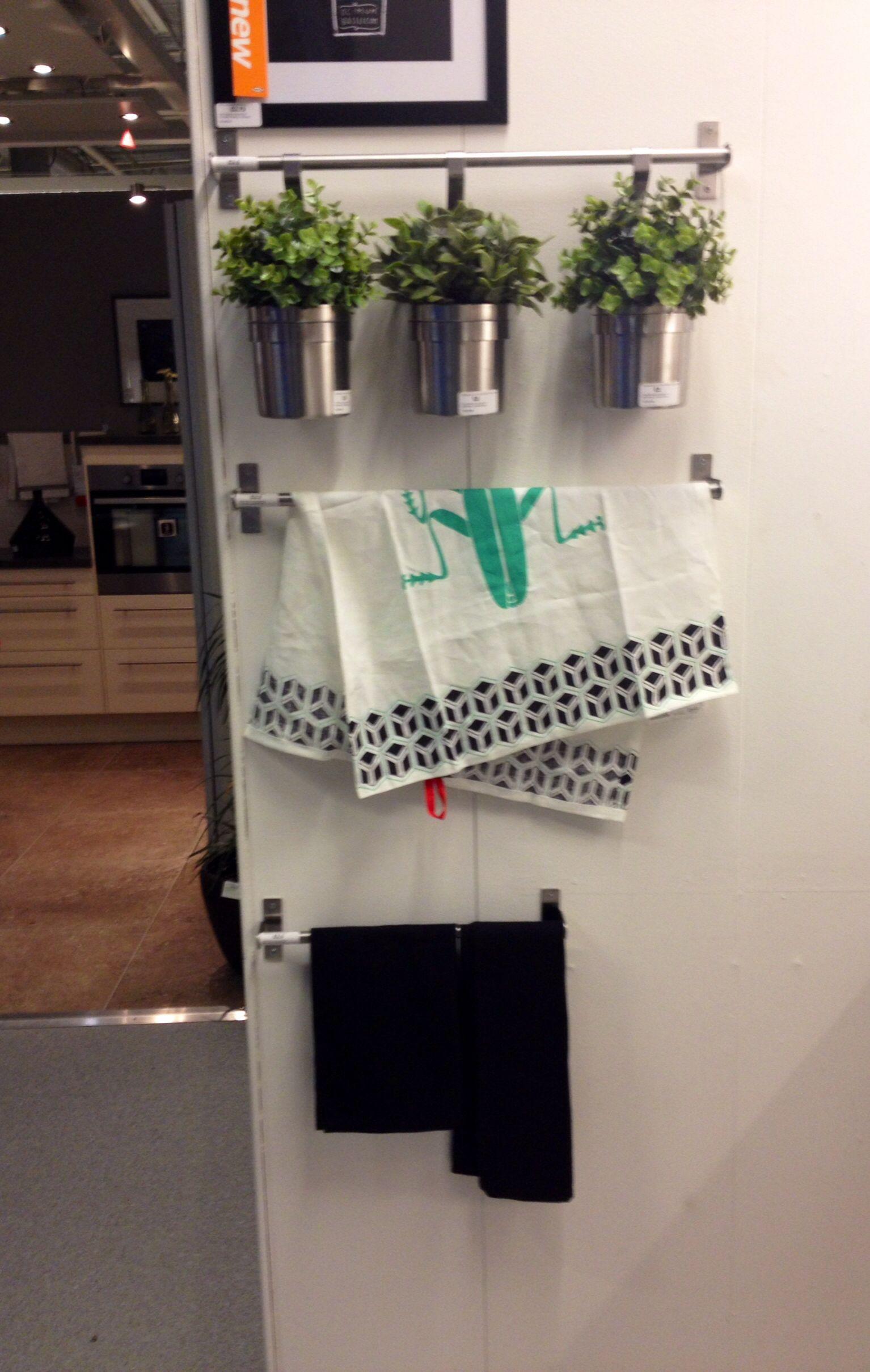 Ikea Kitchen Wall Hanging For Utensils Good Idea For A Small Kitchen Kitchen Wall Hangings Ikea Kitchen