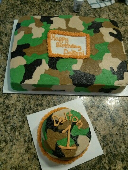 1st year birthday Camo cake and smash cake.