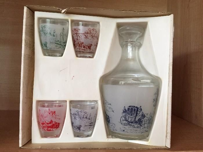 Found on EstateSales.NET: French Decanter and glasses