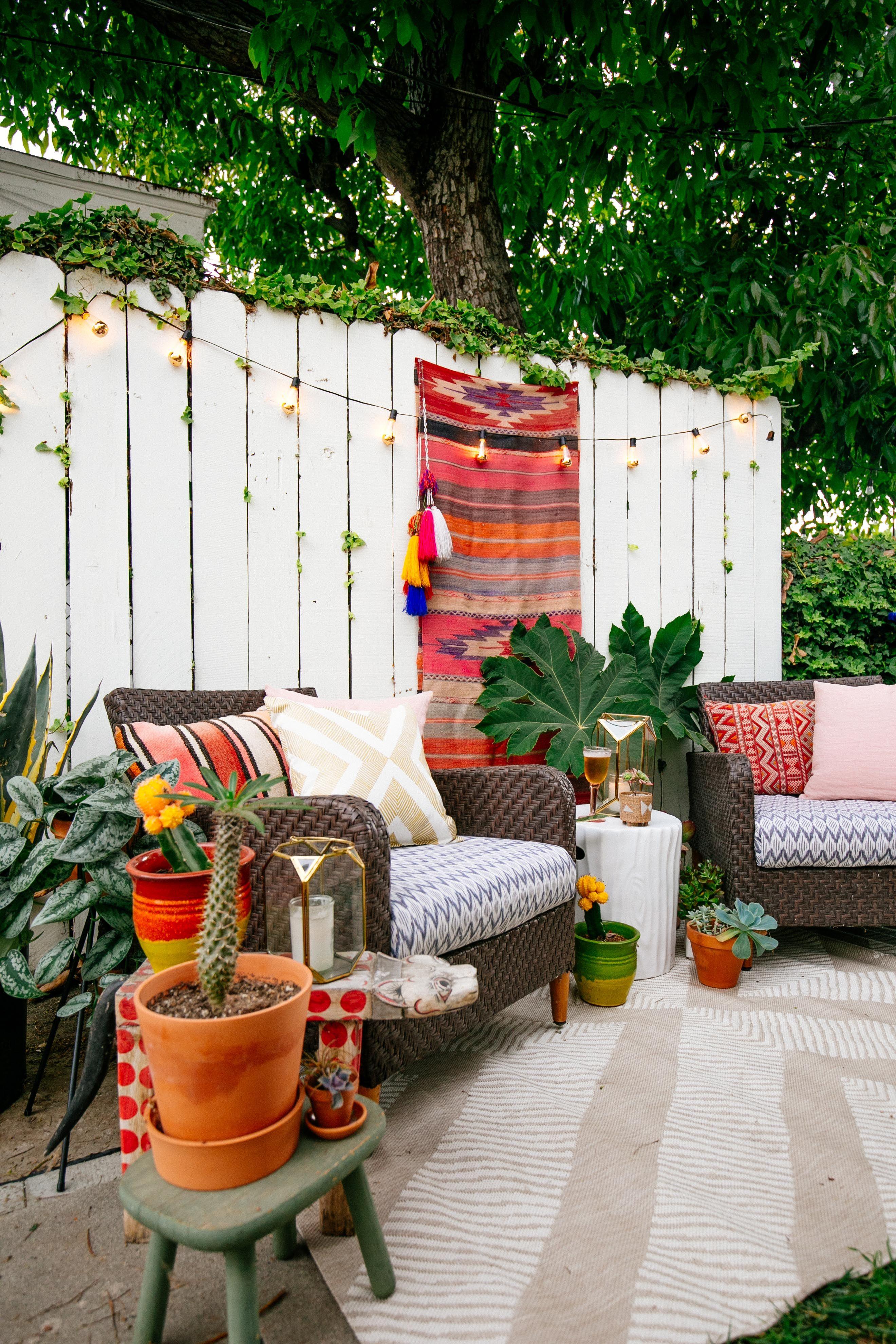 Our Inspiration: Entertaining Outdoors. Image Via EBay