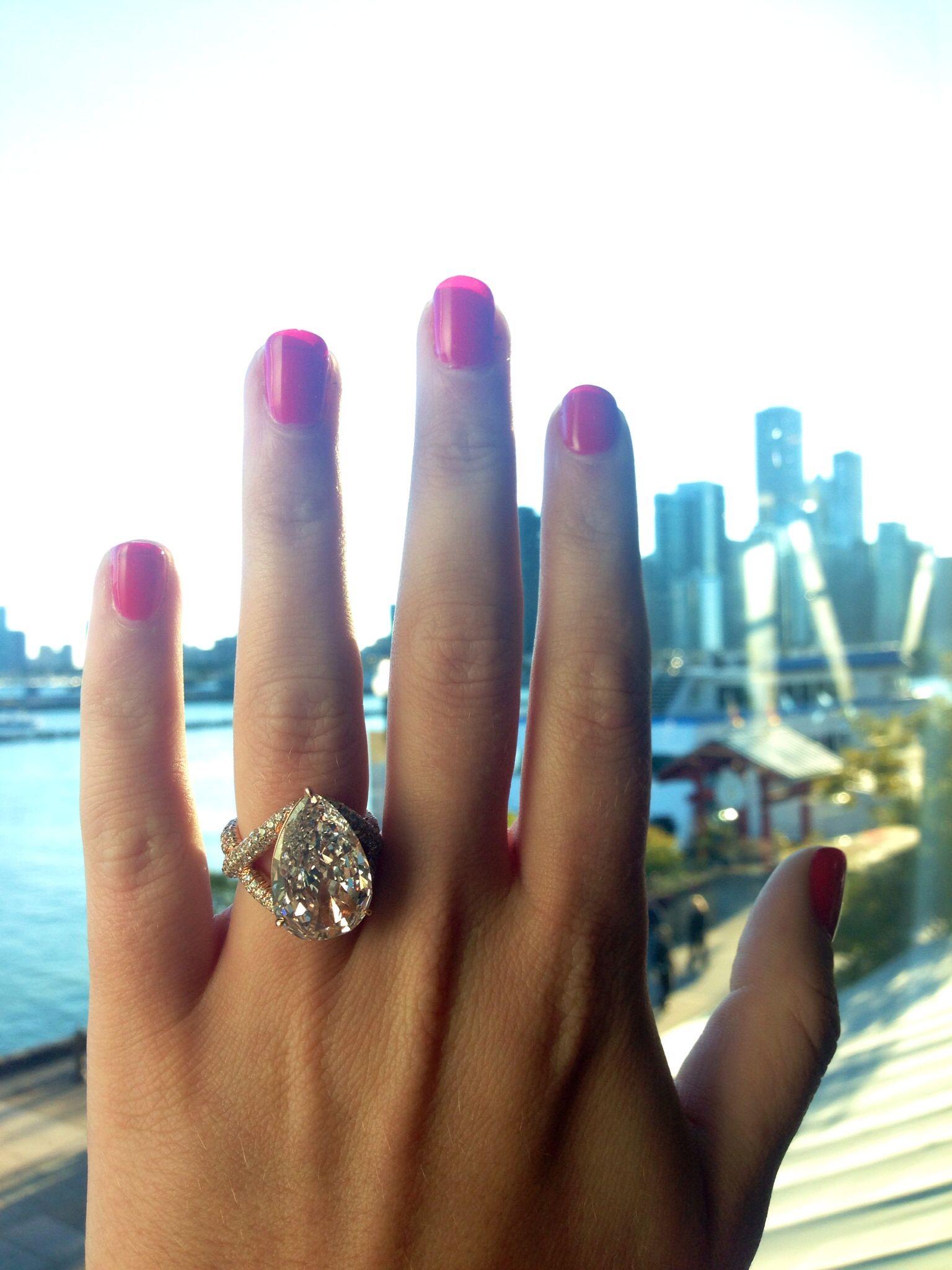 946ct fancy light pink type IIa diamond Rose gold Pave
