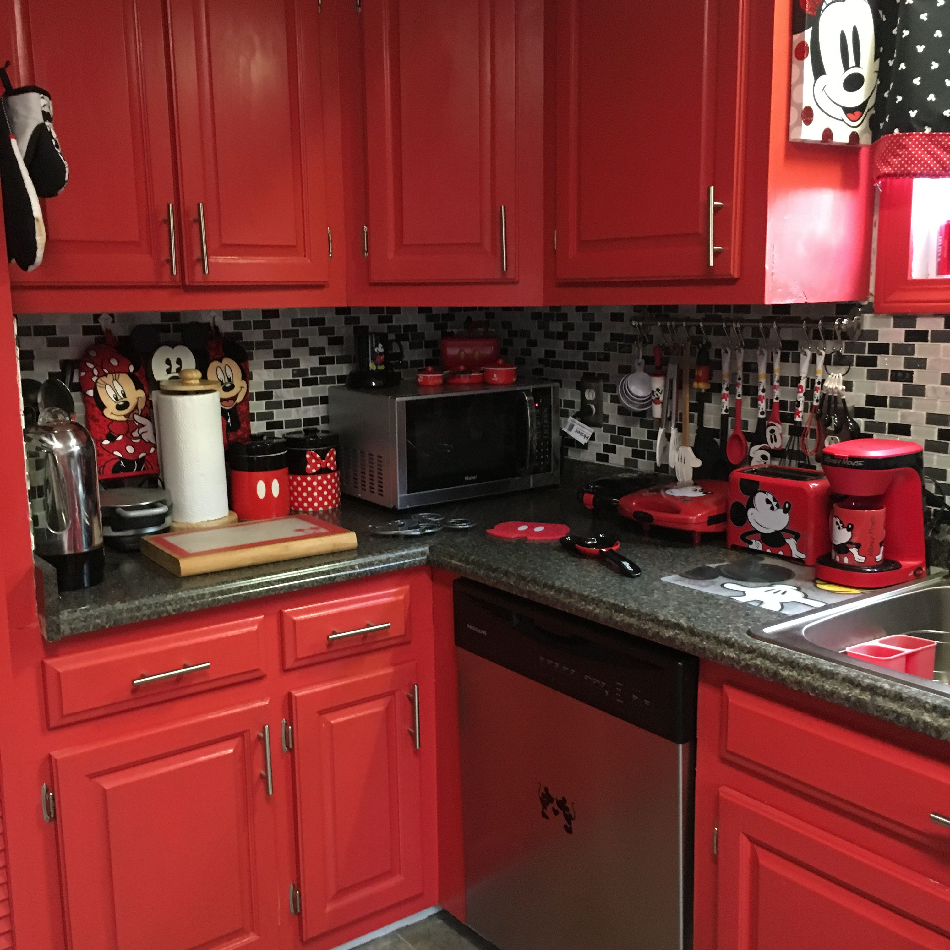 Mickey and Minnie Mouse kitchen #disneykitchen