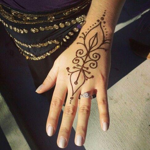 pin von allie henderson auf henna pinterest henna henna tattoo vorlagen und tattoo ideen. Black Bedroom Furniture Sets. Home Design Ideas
