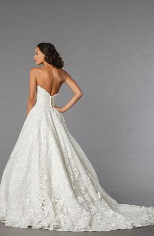 Bridal Gowns: Danielle Caprese Princess/Ball Gown Wedding Dress with Sweetheart Neckline and Natural Waist Waistline