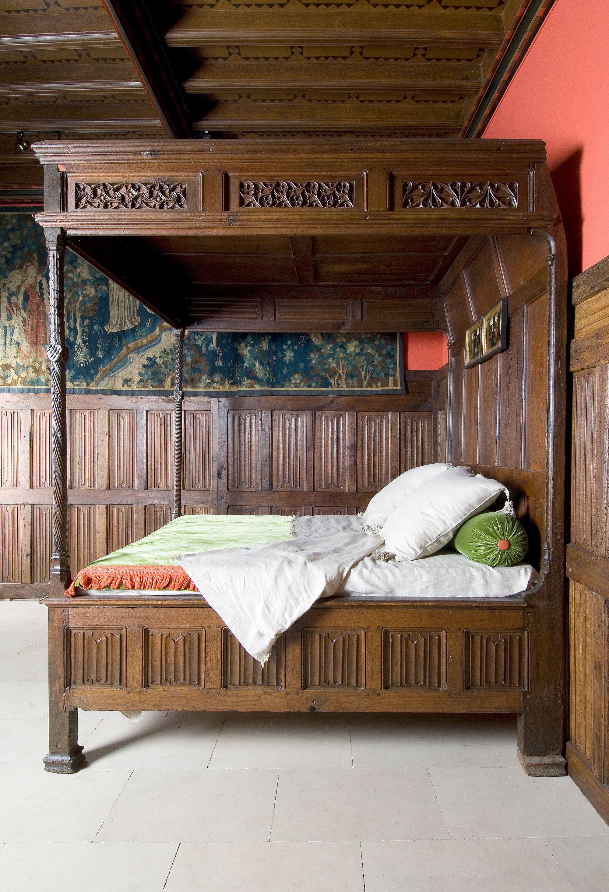 fin xve si cle lit dais vue de profil sans courtines france provient du rinascimento. Black Bedroom Furniture Sets. Home Design Ideas