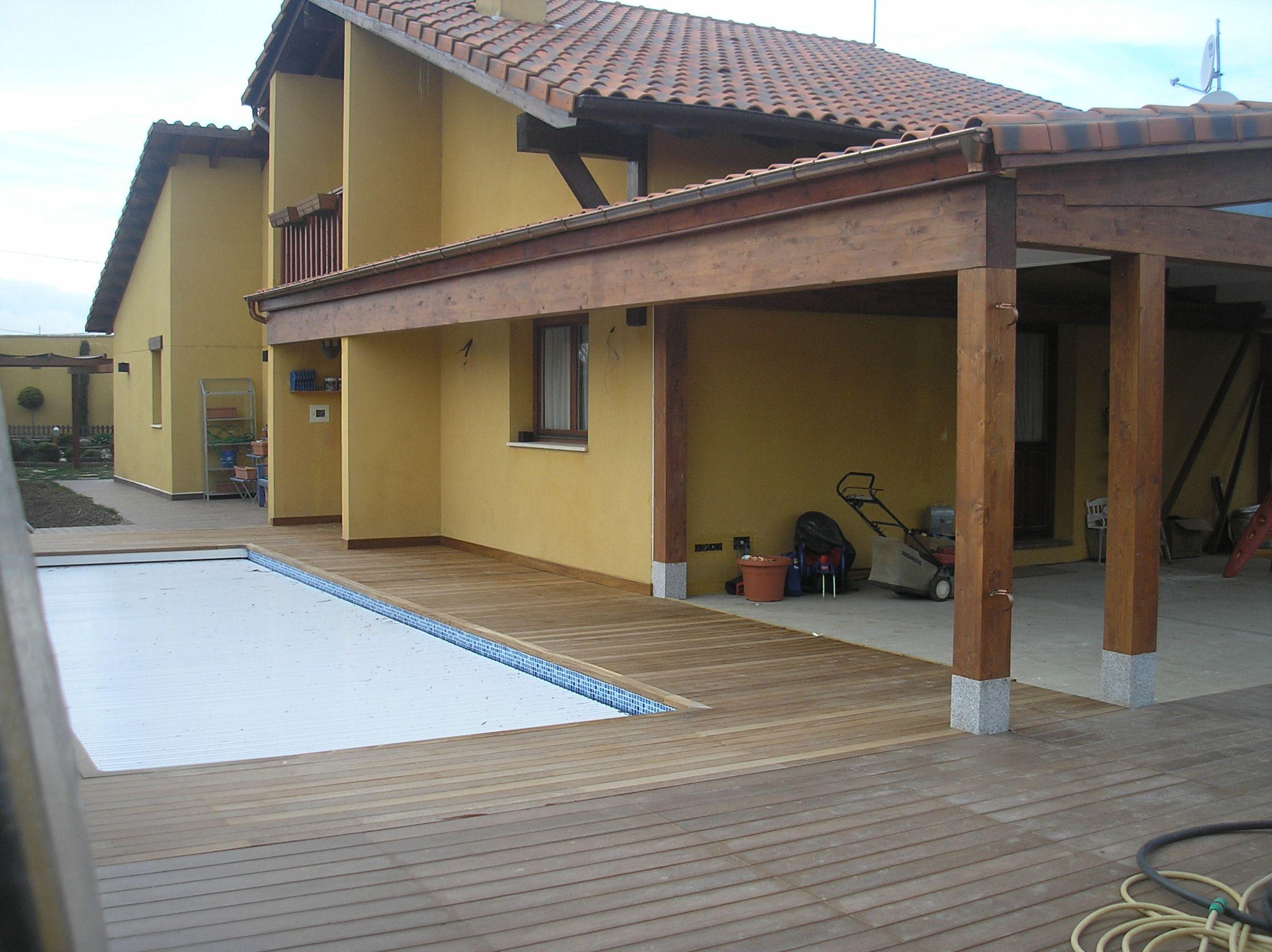 Construcci n porche a dos aguas en la trasera y lateral de - Porche chalet ...
