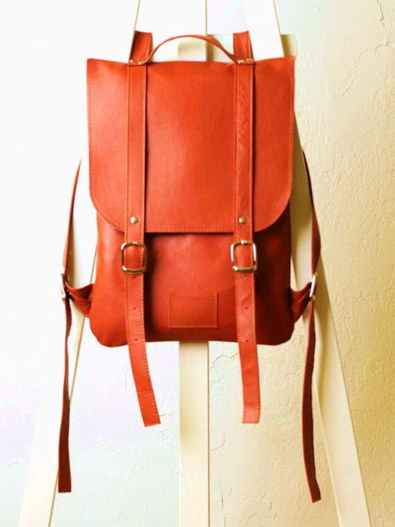 Pumpkin red leather backpack rucksack / To order / Leather backpack / Leather rucksack / Womens backpack / Christmas Gift di kokosina su Etsy https://www.etsy.com/it/listing/179391098/pumpkin-red-leather-backpack-rucksack-to