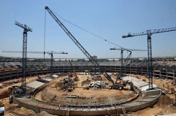 A construção do Estádio do Maracanã prevê que este fique com capacidade para 78 mil espectadores.