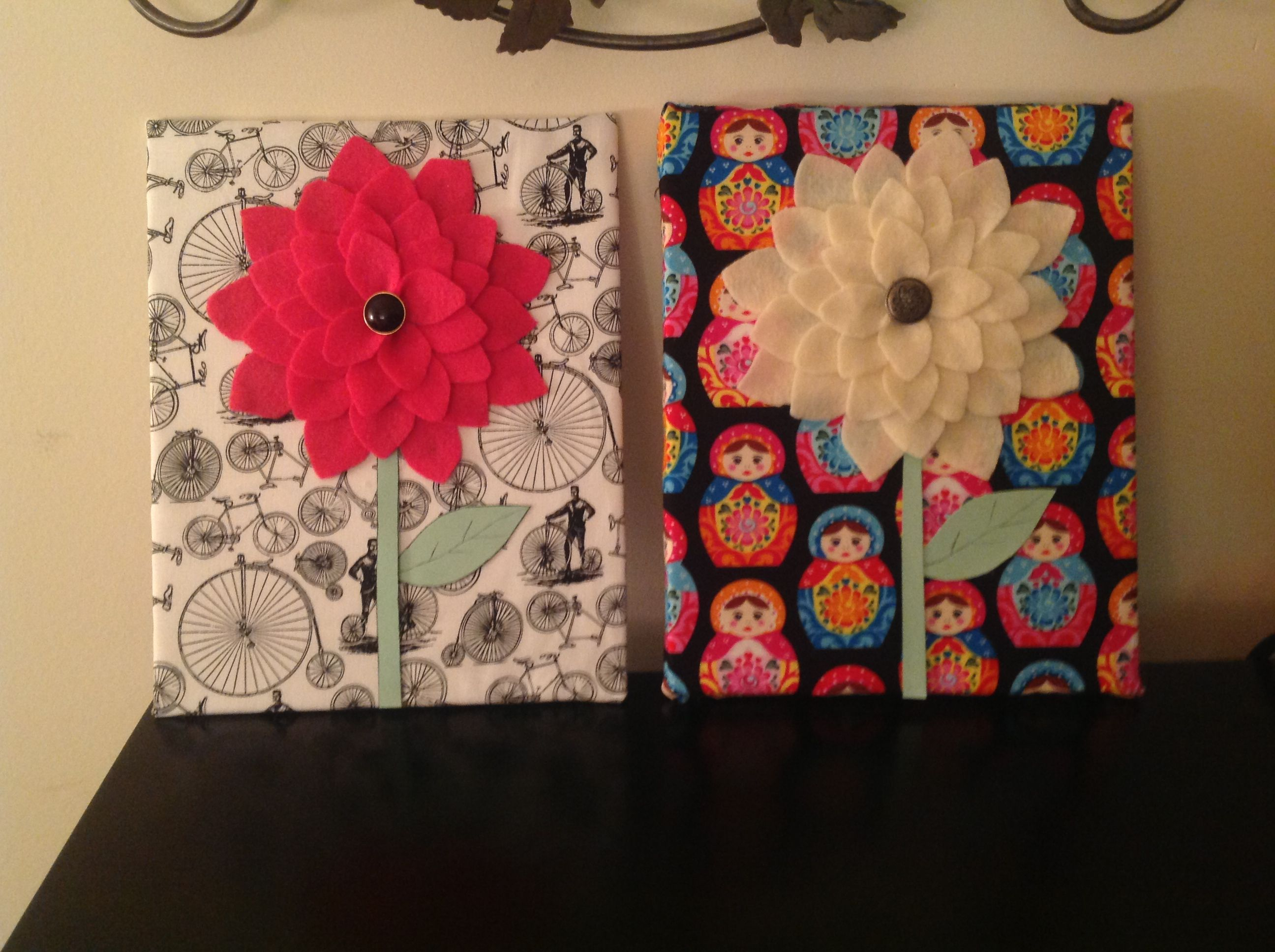 With canvas, fabric, and felt, I made adorable wall art today! They ...
