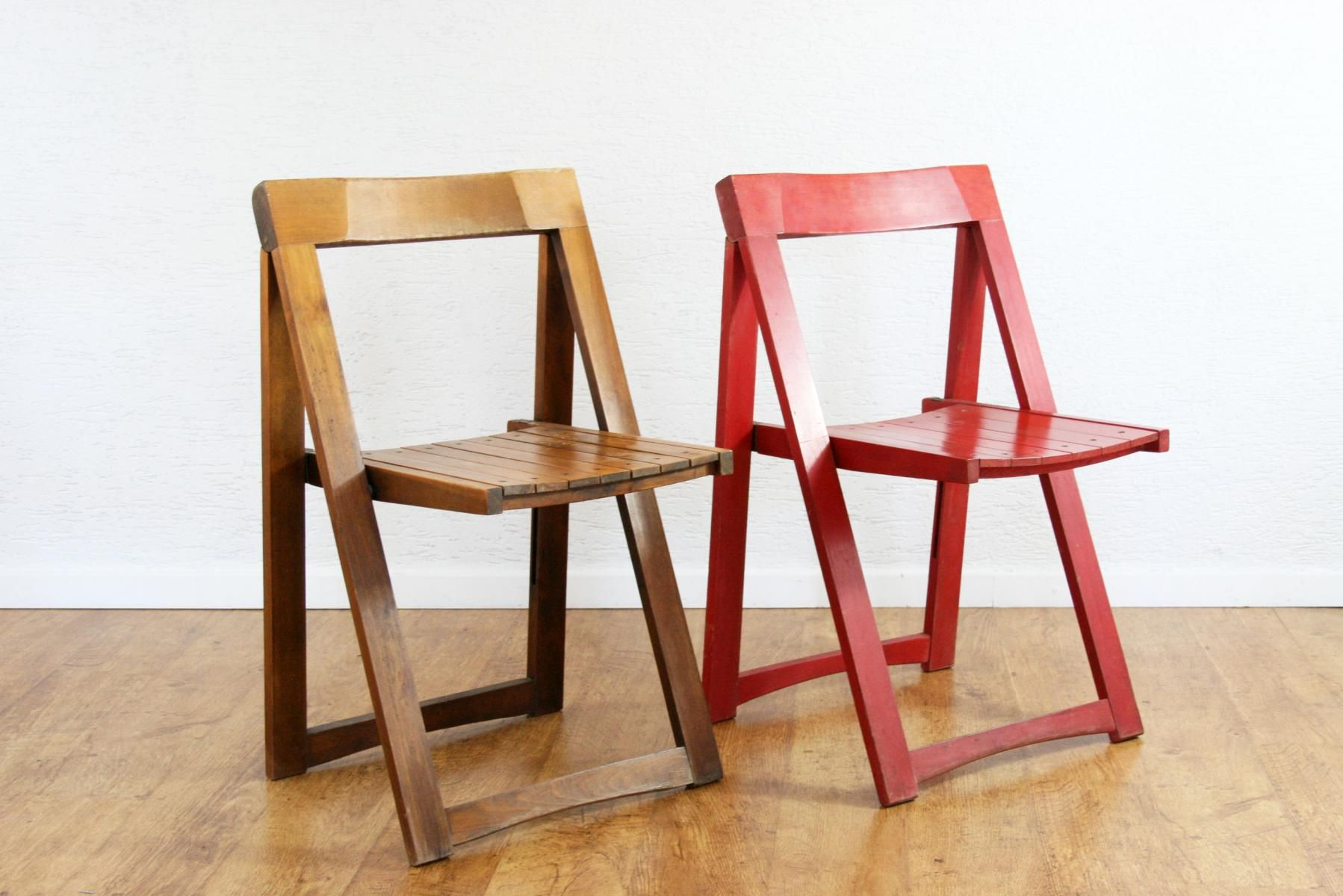Mid Century Cream and Red Folding Chairs by Aldo Jacober for