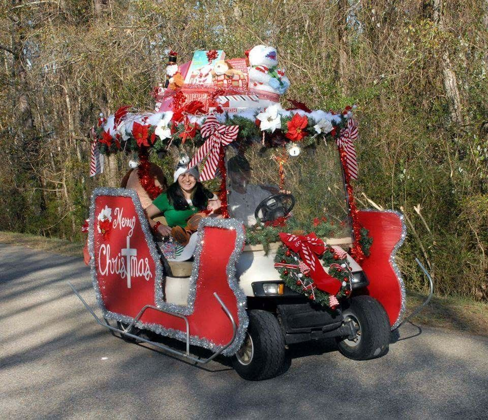 Golf Cart Made To Look Like Santa S Sleigh For A Christmas Parade Christmas Parade Floats Christmas Golf Christmas Parade