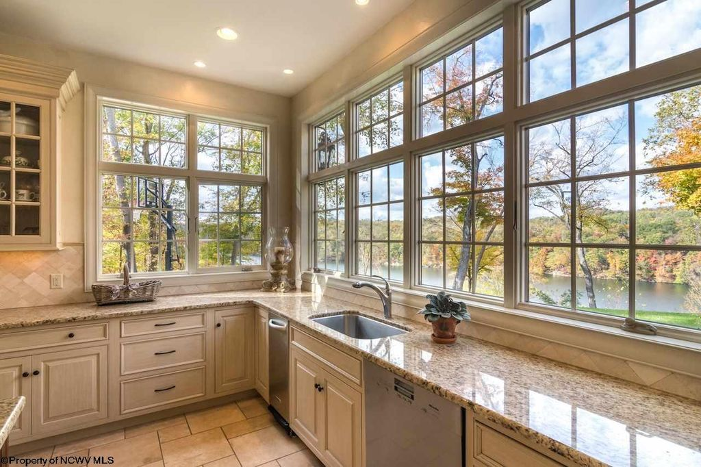 3906 Westlake Dr Morgantown Wv 26508 Mls 10117669 Zillow Morgantown West Lake Dream House