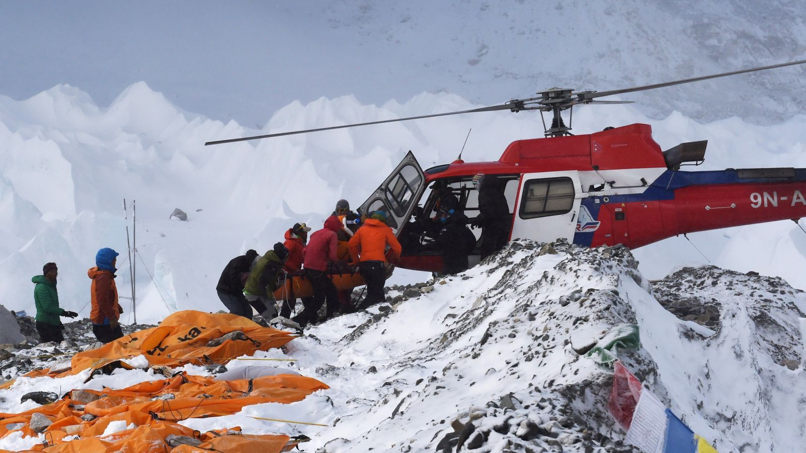best images about life death on mount everest 17 best images about life death on mount everest 17 search and top of mount everest