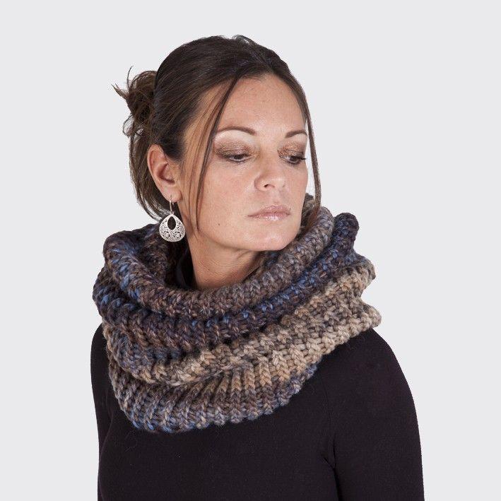 Cuellos de lana Mas de 100 ideas encontradas en Manualidades. Bufanda  cerrada o tambien conocida mas comunmente como cuello es una prenda qu. a5b90fcf349