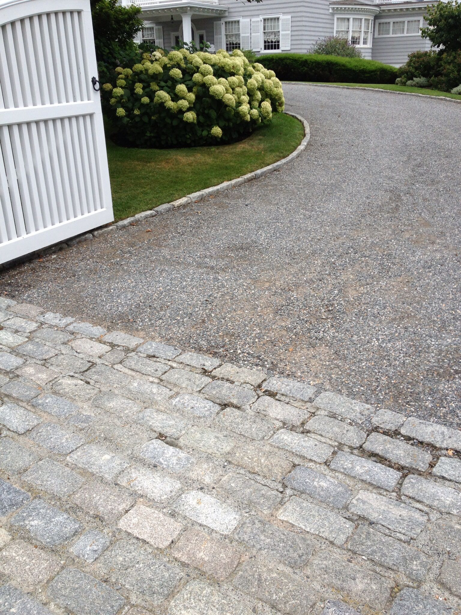 Image Result For Belgian Block Apron Gravel Driveway Driveway Landscaping Stone Driveway