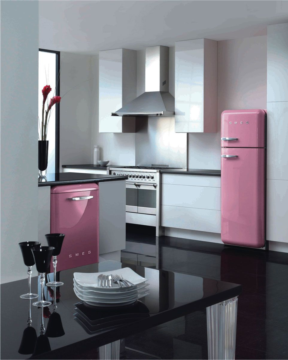 Frigor fico fab50 mini nevera fab5 y combi fab32 de smeg for Cocinas completas con electrodomesticos