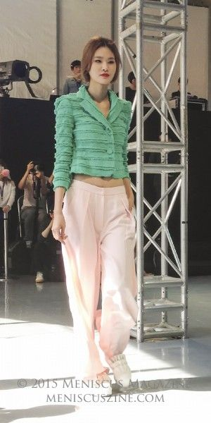A look from #Romanchic #Spring2016 Seoul Fashion Week. Source: Meniscus Magazine (photo by Rex Baylon / Meniscus Magazine). http://www.meniscuszine.com/articles/2015102237031/romanchic-spring-2016-seoul-fashion-week/ #seoulfashionweek