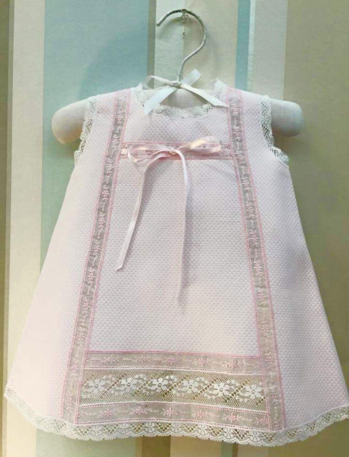 eb23de18c Vestido de pique español con encaje para bebe   ideas de punta ...