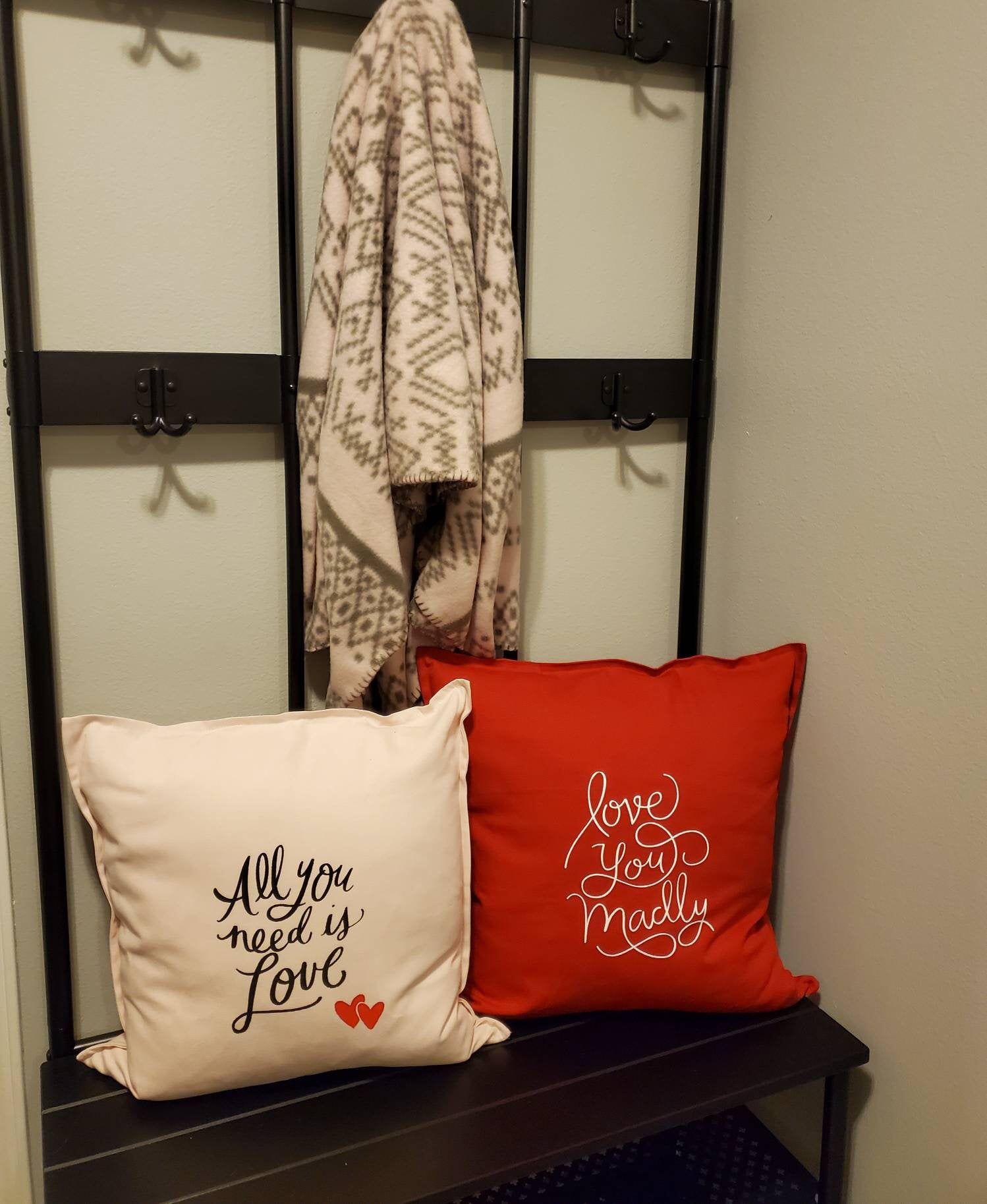 Love Pillow Set Etsy In 2020 Pillow Set Pillows Design