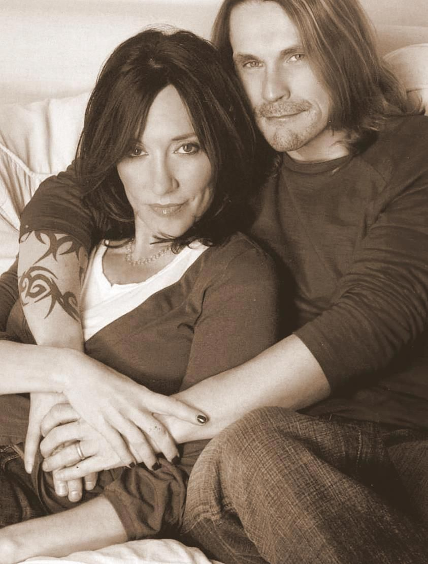 Kurt Sutter and Katey Sagal - One of my  favorite couples !!! Sons of Anarchy, ink, tattoo, cute, photo b/w. #bandwpeoplephoto