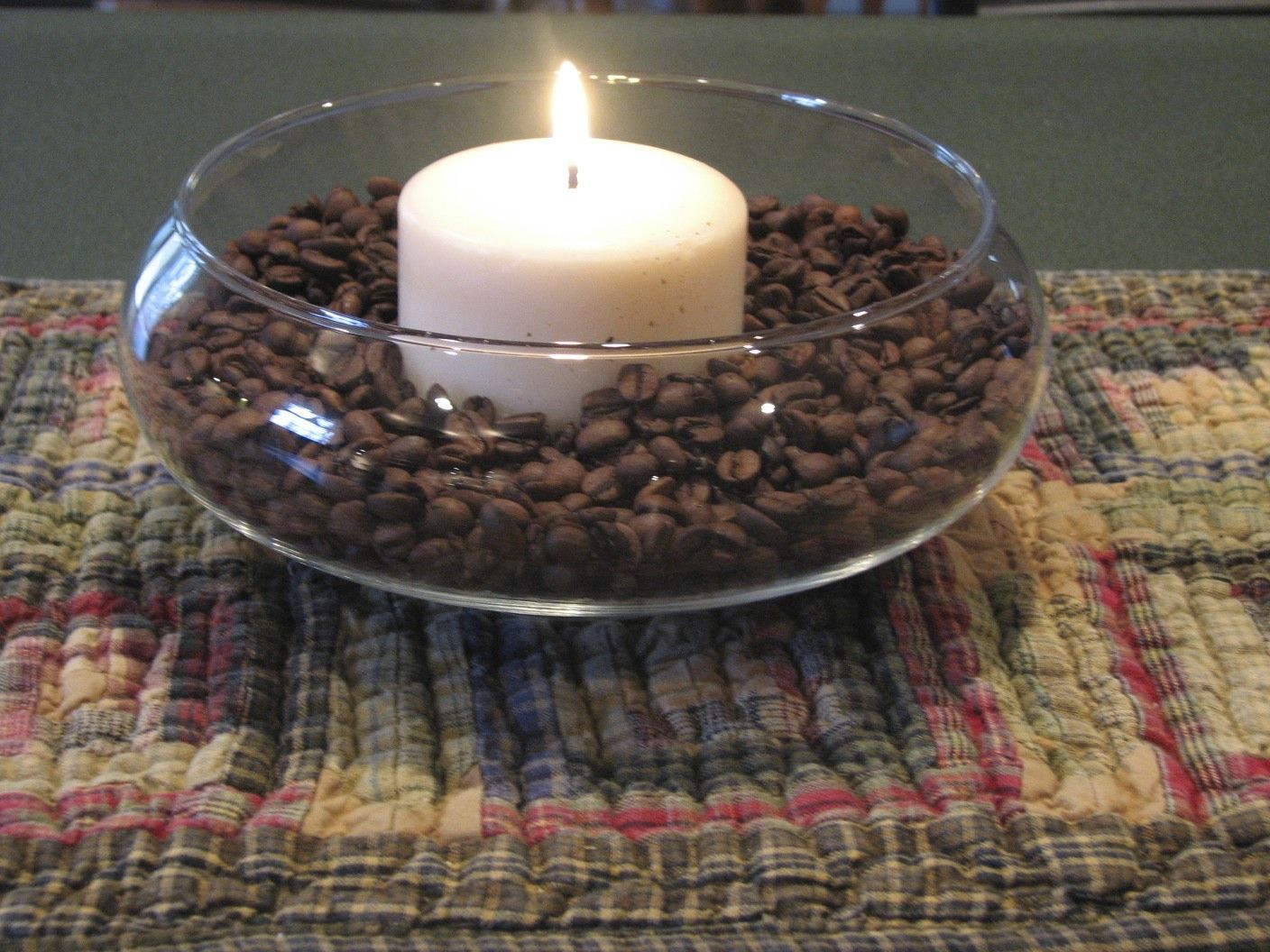 Small clear bowl, vanilla coffee beans and vanilla candle, smells so good.  (fro... -  Small clear bowl, vanilla coffee beans and vanilla candle, smells so good.  (from inspirationfordec - #beans #bowl #candle #clear #coffee #decoratingcoffeetablescenterpieces #decoratingcoffeetablesideas #decoratingcoffeetablestray #fro #Good #small #smells #vanilla