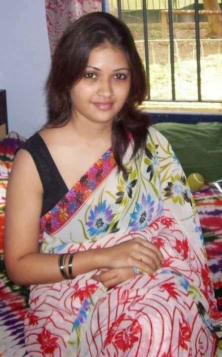 Indian Desi Local Girls And Housewife In Saree Hot Photos