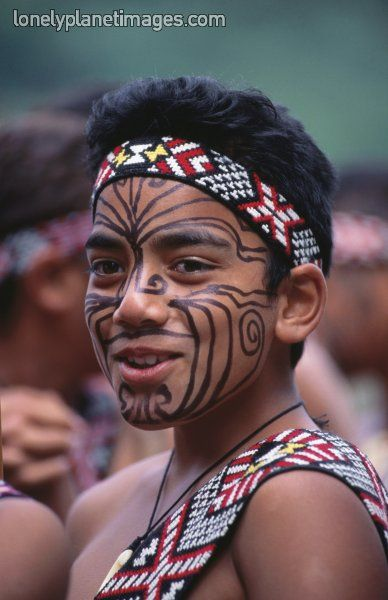 Maori Tribe New Zealand Body Tattoos: Maori Boy With Face Paint, Maori Cultural