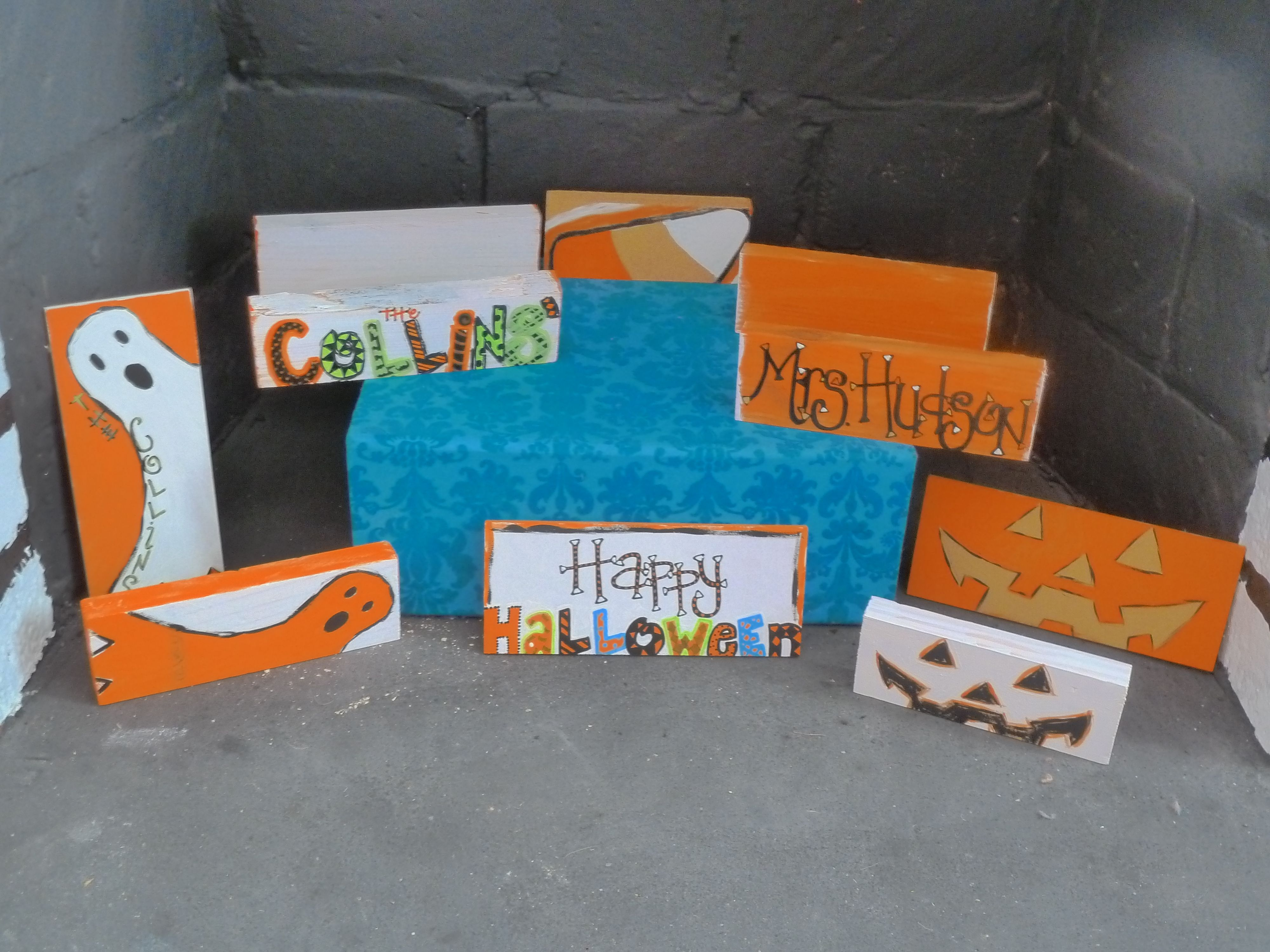 The KEL Kollection presents our HaLLowEEn Signs! -- For Purchasing, please visit: www.KoralinesMommy.etsy.com or www.KELKollection.com