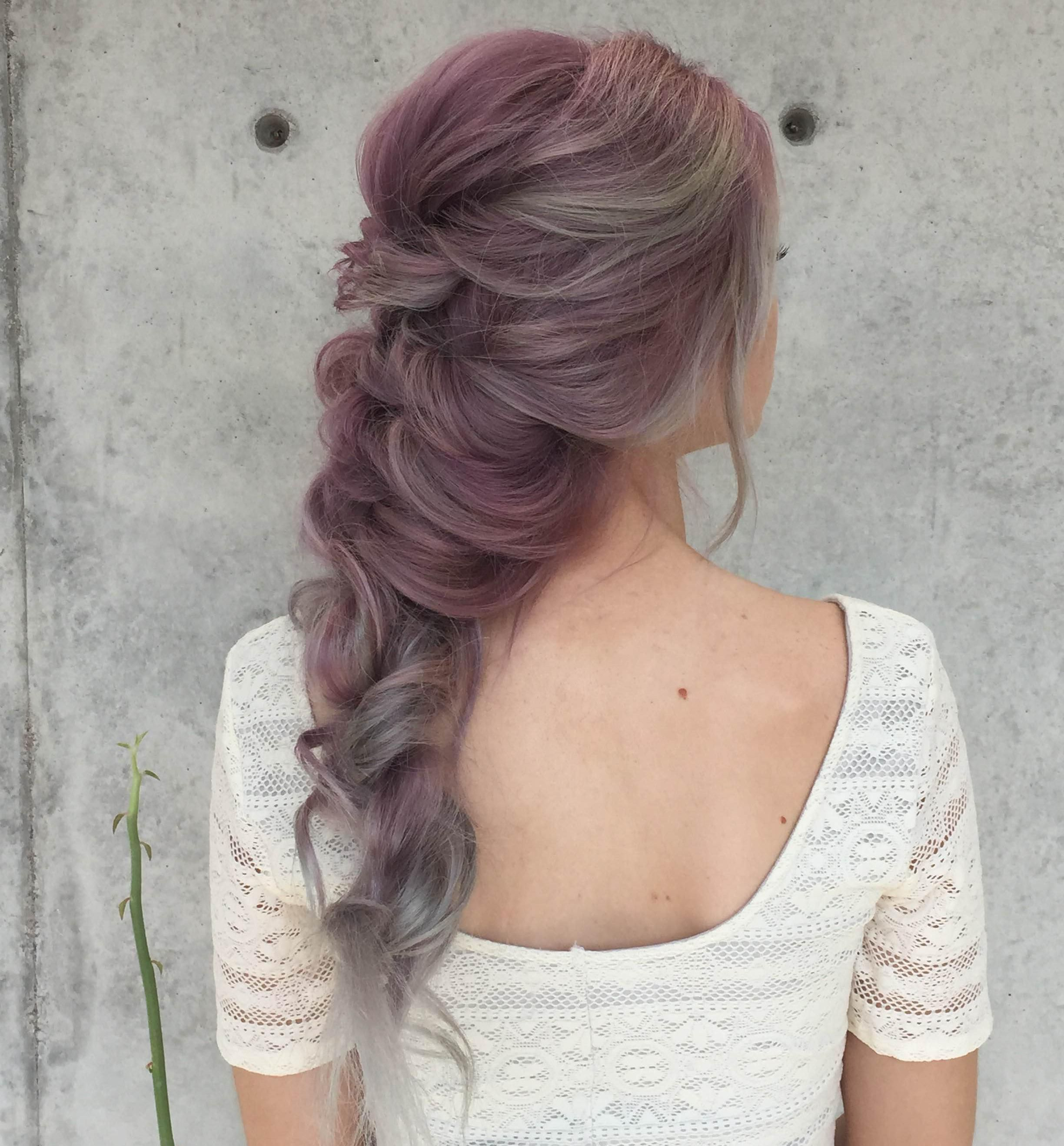 We Can T Get Enough Of This Curly Mermaid Hairstyle By