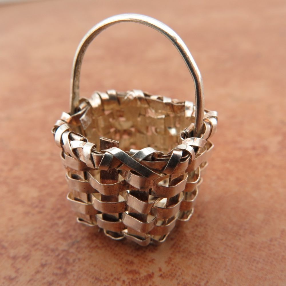 US $0.99 Pre-owned; basket charm