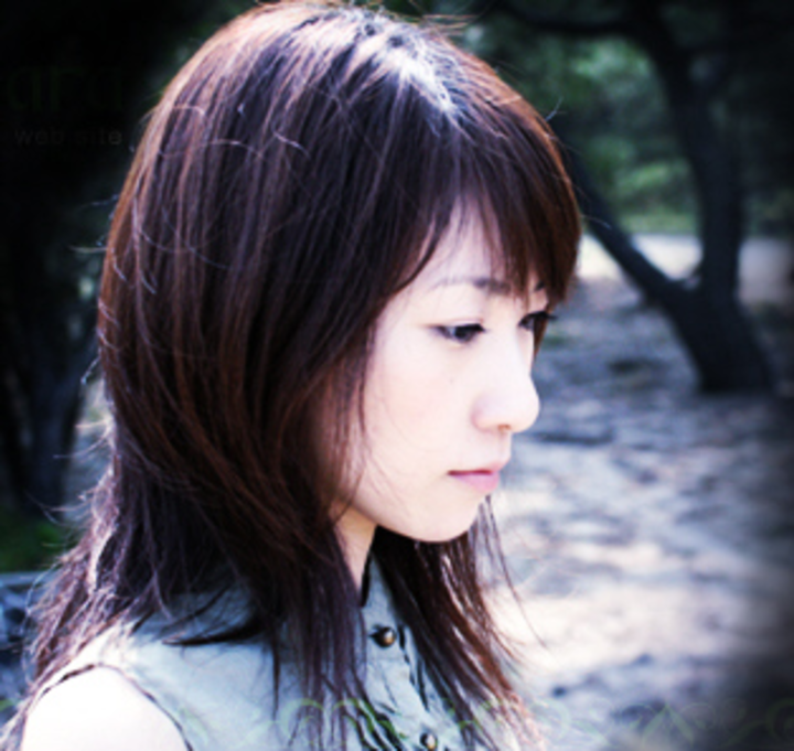 Suara (Akiko Tatsumi), a Japanese singer.