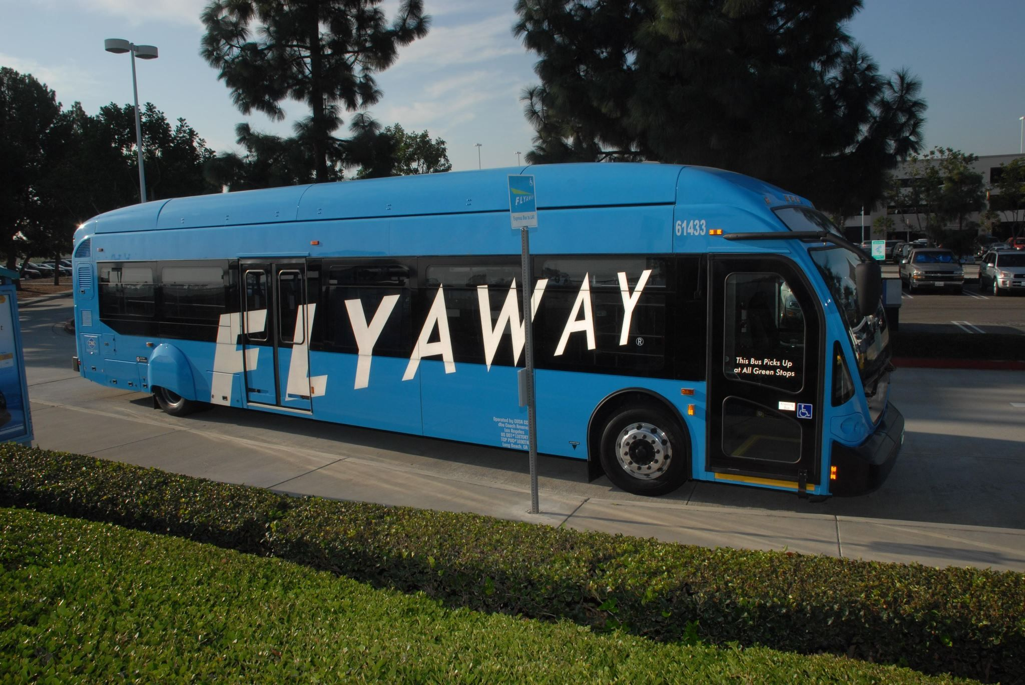 Why Drive To Lax When You Can Take The Convenient Lax Flyaway Bus This Non Stop Daily Service O Los Angeles International Airport Singapore Airlines Van Nuys