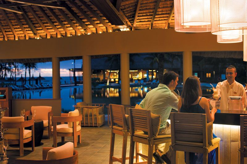 Dining And Services Outrigger Mauritius Beach Resort Mauritius Resorts Beach Resorts Mauritius Beach